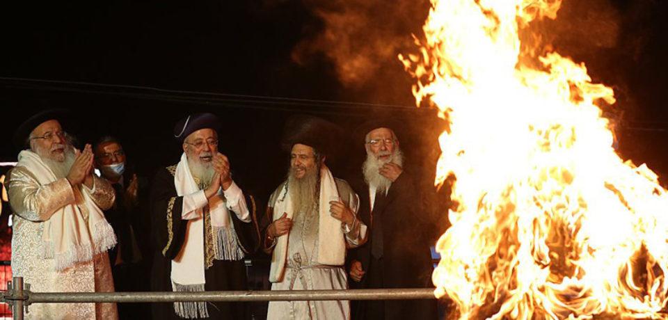 লকডাউন ভেঙে ধর্মীয় সমাবেশ, ৩ শতাধিক গোঁড়া ইহুদি গ্রেপ্তার