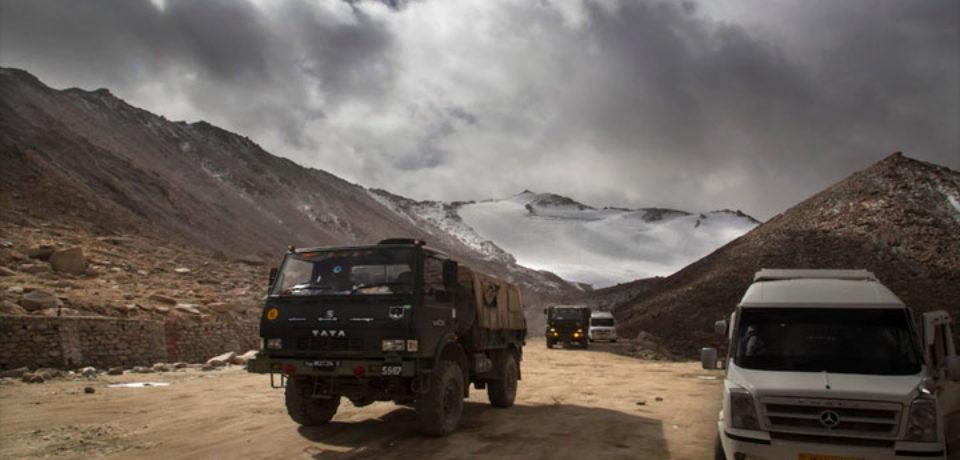 চীন-ভারত বাহিনীর সংঘর্ষে ৩ ভারতীয় সেনা নিহত