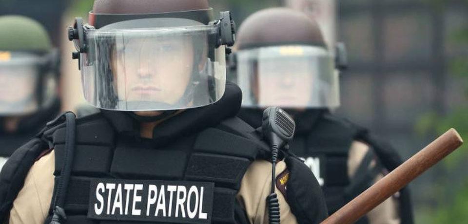 ফ্লয়েড হত্যা : মিনিয়াপোলিস পুলিশ বিভাগ ভেঙেই যাচ্ছে