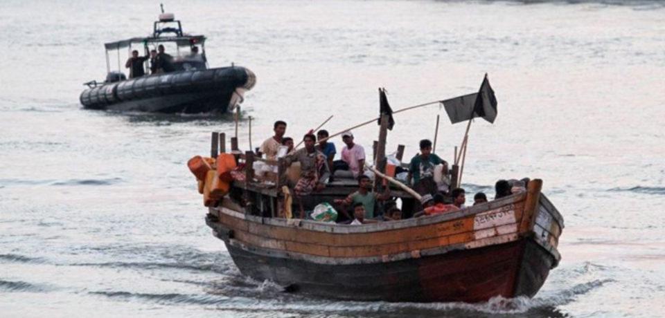 মালয়েশিয়ায় রোহিঙ্গা বোঝাই নৌকাডুবি : ২৪ জনের মৃত্যুর আশঙ্কা