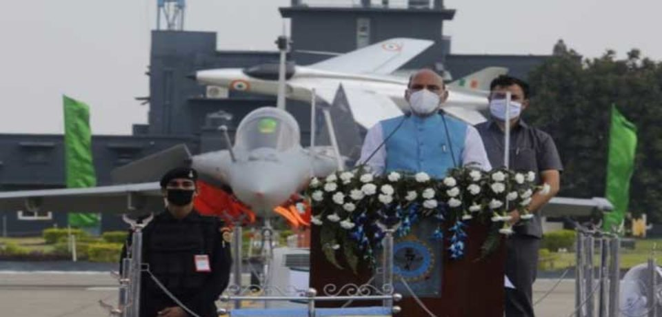 ভারতীয় বিমানবাহিনীতে যোগ হলো অত্যাধুনিক রাফায়েল যুদ্ধবিমান