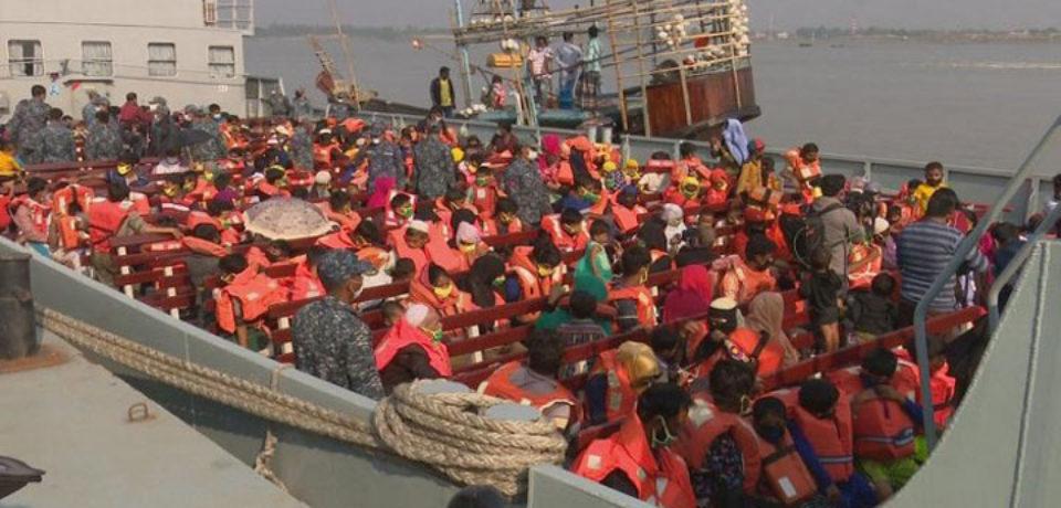 ভাসানচরের পথে আরও ২০১০ রোহিঙ্গা