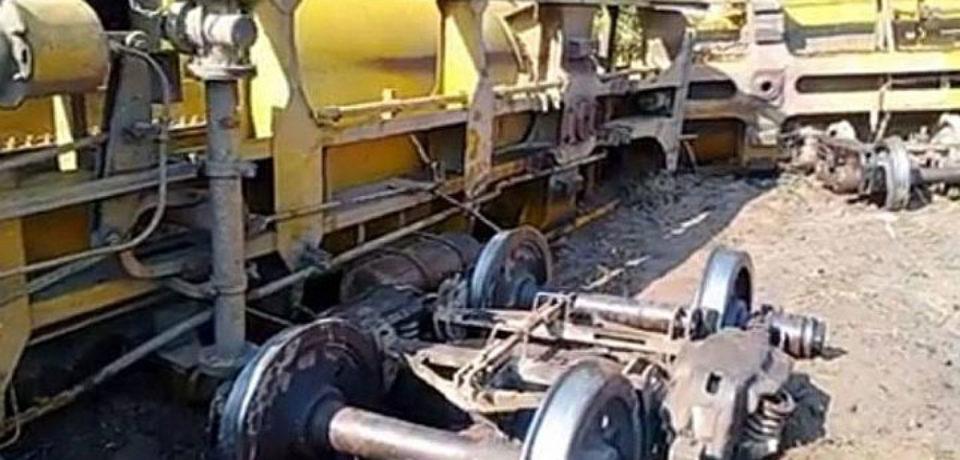 তেলবাহী ট্রেন লাইনচ্যুত, সিলেটের সঙ্গে রেলযোগাযোগ বন্ধ