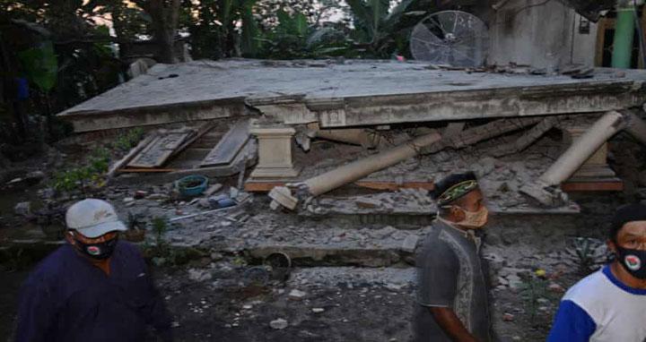 ইন্দোনেশিয়ায় ভূমিকম্পে ৭ জনের প্রাণহানি