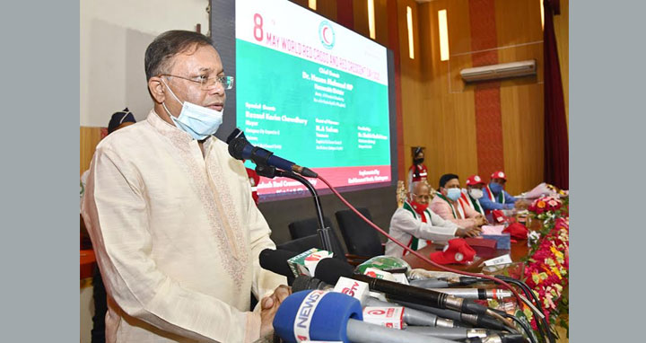 খালেদা জিয়াকে চিকিৎসার জন্য বিদেশ নেয়ার প্রয়োজন আছে কিনা প্রশ্ন তথ্যমন্ত্রী'র